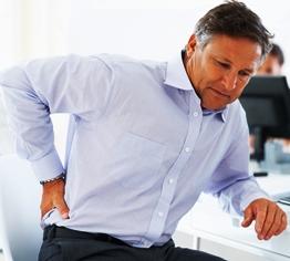 Reparto cervicale di una spina dorsale a bambini in 2 anni